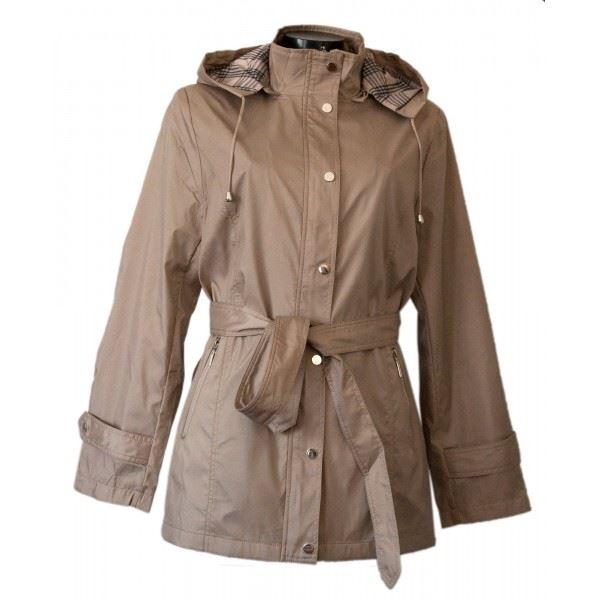 Trench capuche femme, ma protection contre la pluie.