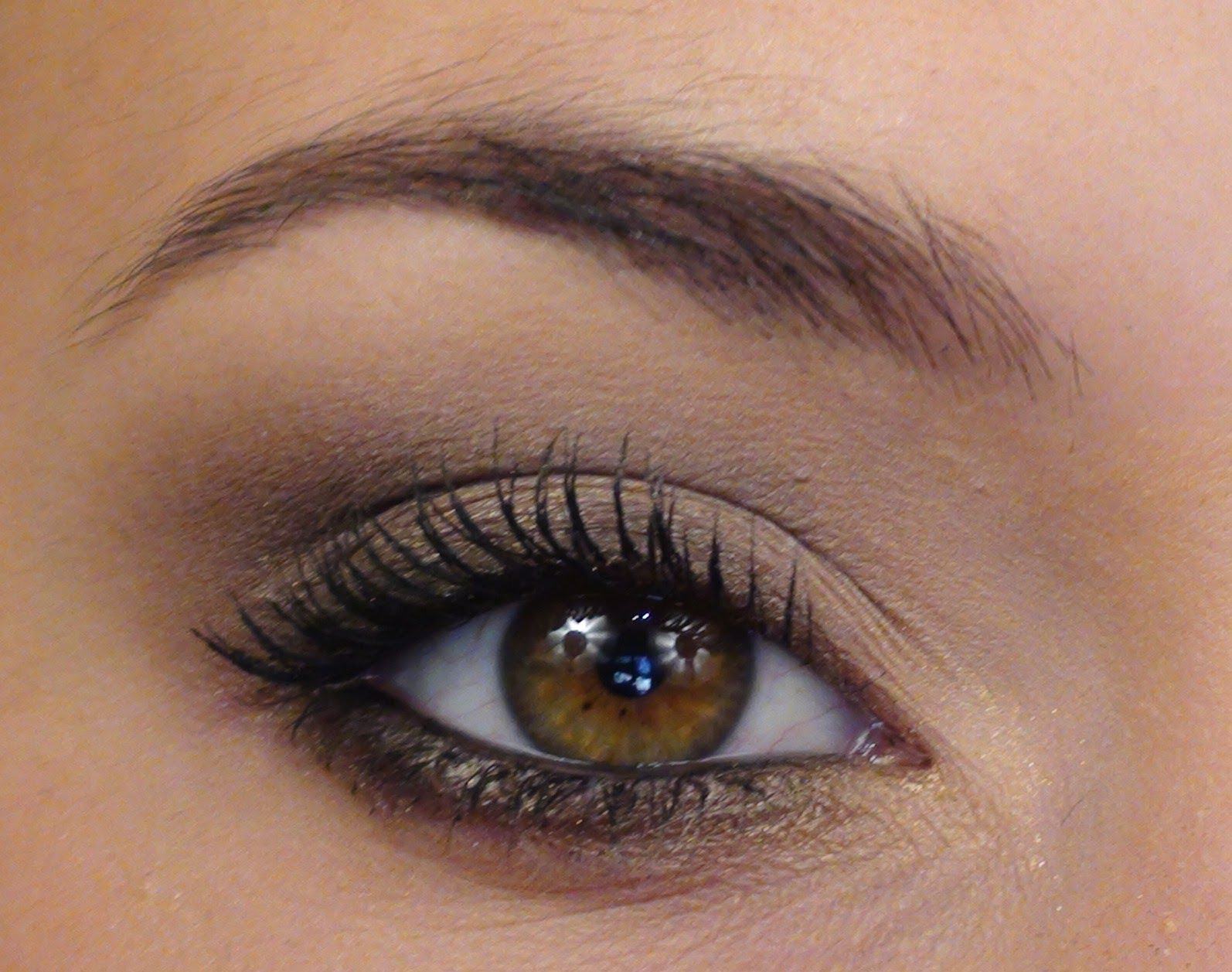Maquillage yeux noisette