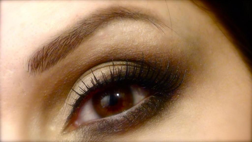 maquillage yeux noisette comment le faire. Black Bedroom Furniture Sets. Home Design Ideas