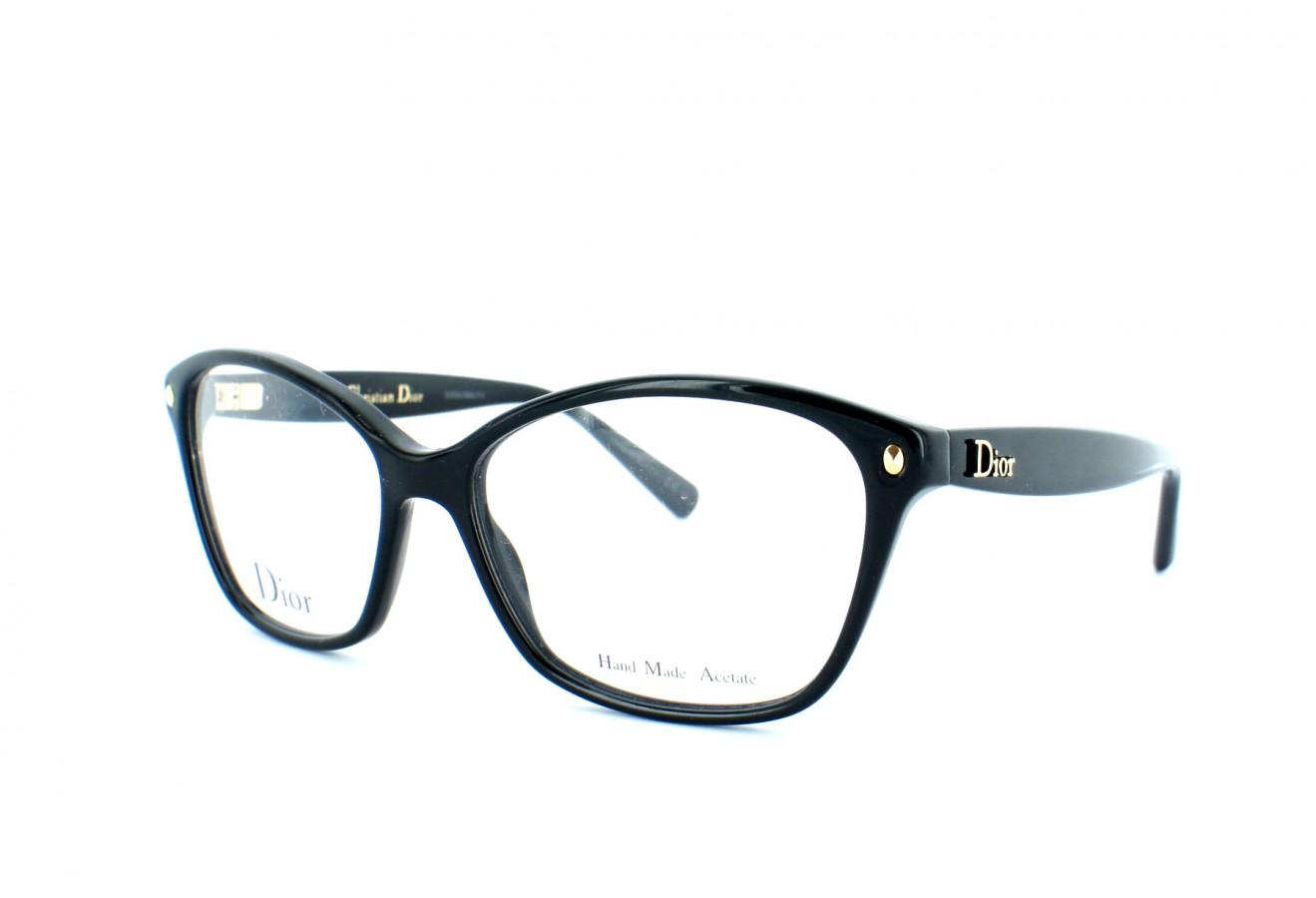 Des milliers de paires de lunettes