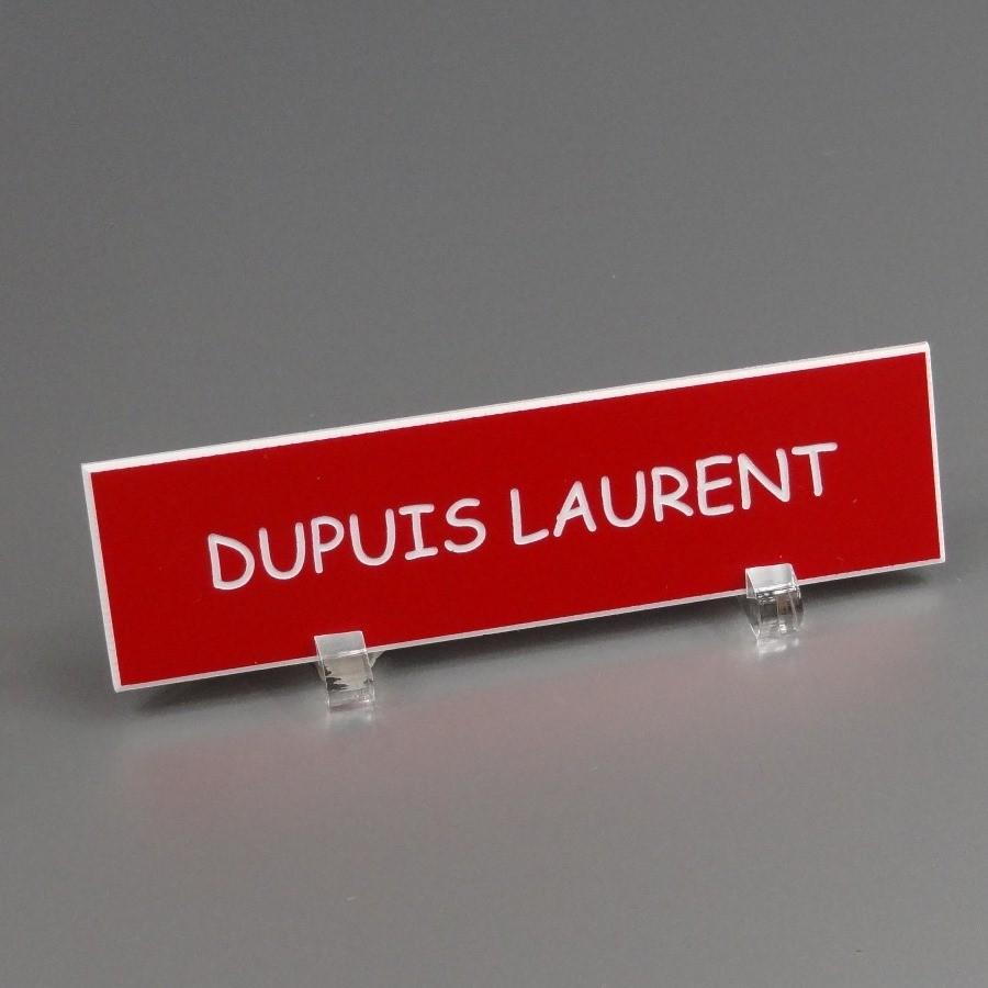Une plaque de boîte aux lettres pour distinguer sa boîte