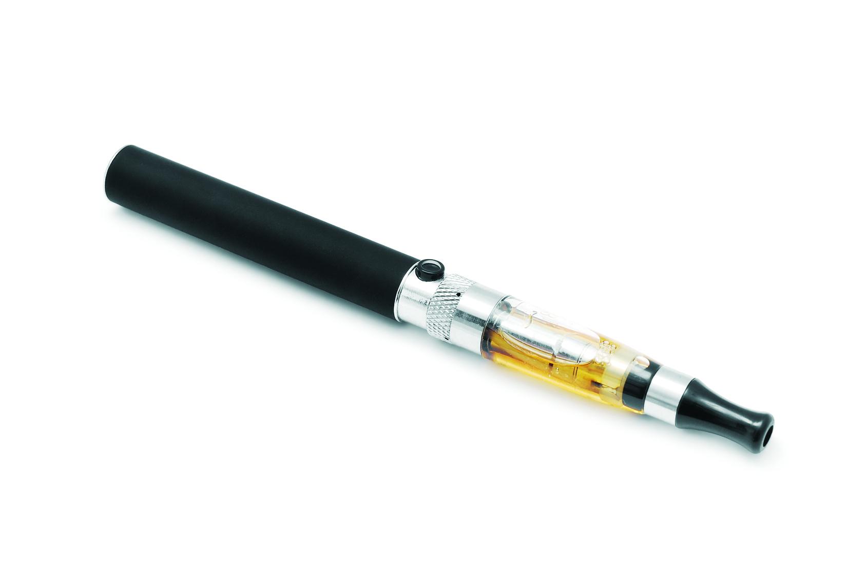 Batterie cigarette électronique : mes conseils sur le matériel à acheter
